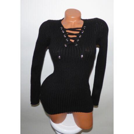 a628558e3a V kivágású kötött pulcsi - Póló / Pulóver - Luna Gardrobe Női ruha ...