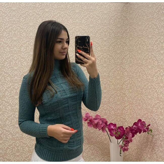 Kötött garbós pulóver