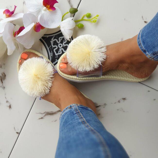 Pomponos papucs