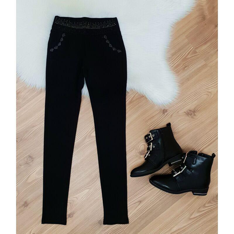 Fekete sztreccses anyagú, strasszos nadrág