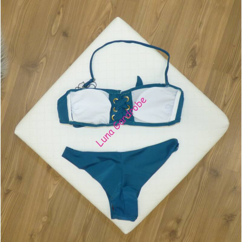 Mellrésznél fűzős, bikini brazil alsóval