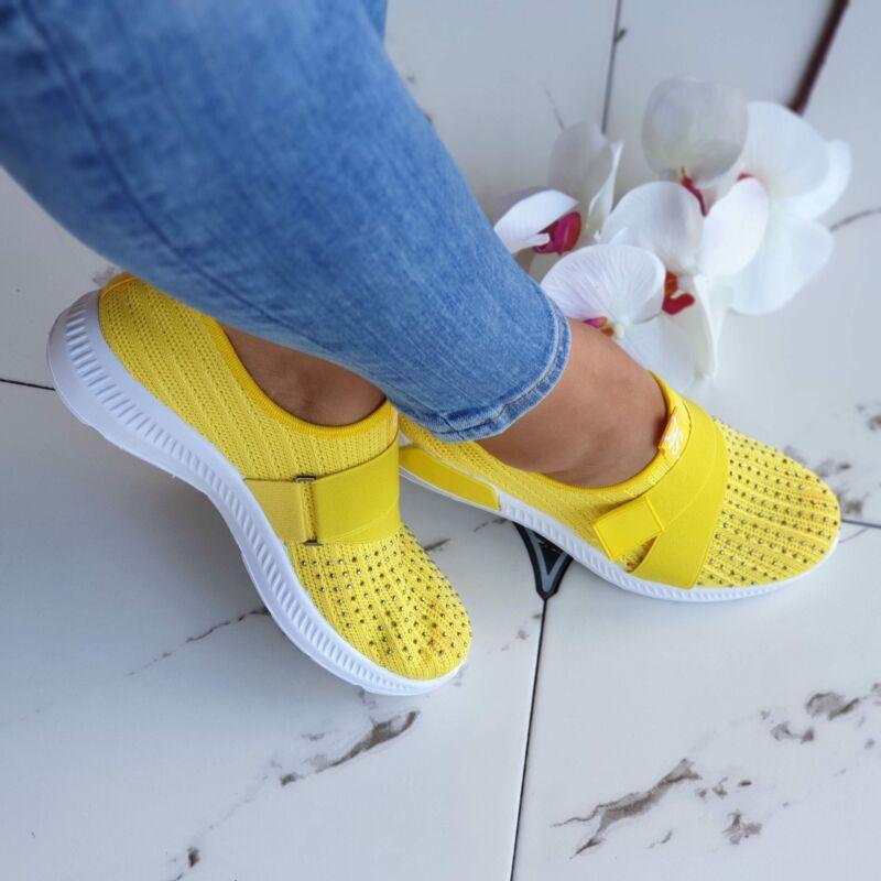 Strasszos, belebújós cipő
