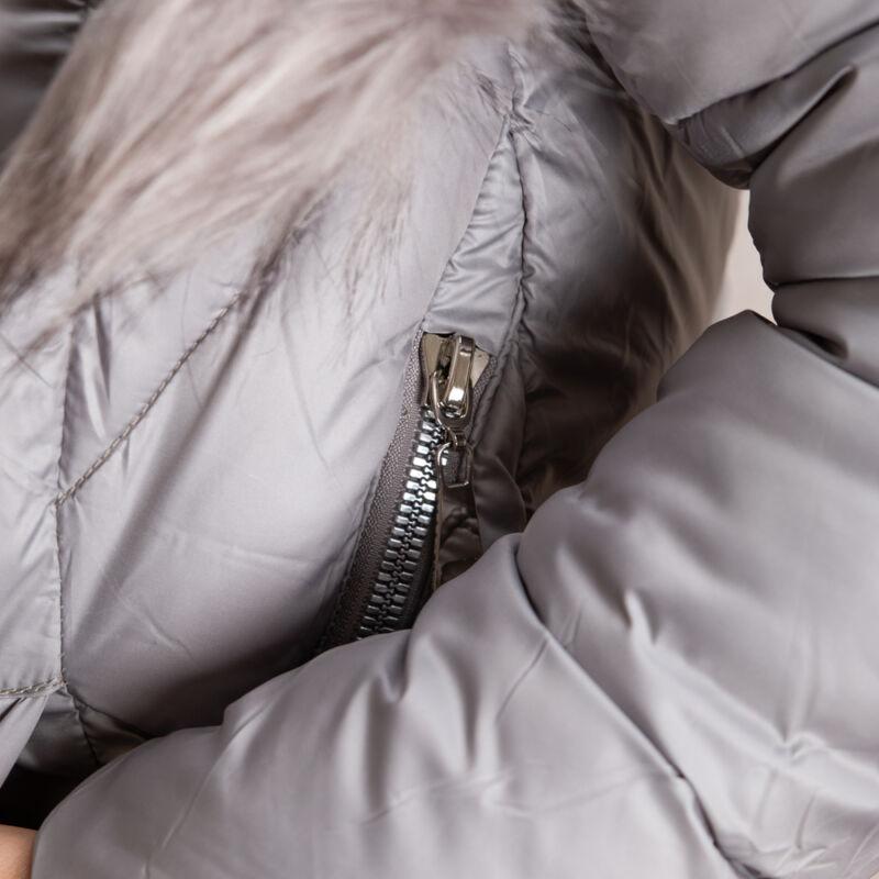 Cipzáros, szőrme kapucnis + bojtos kabát
