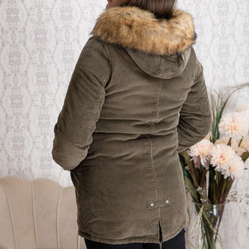 Bordázott, deréknál behúzós, szőrmés kapucnis kabát