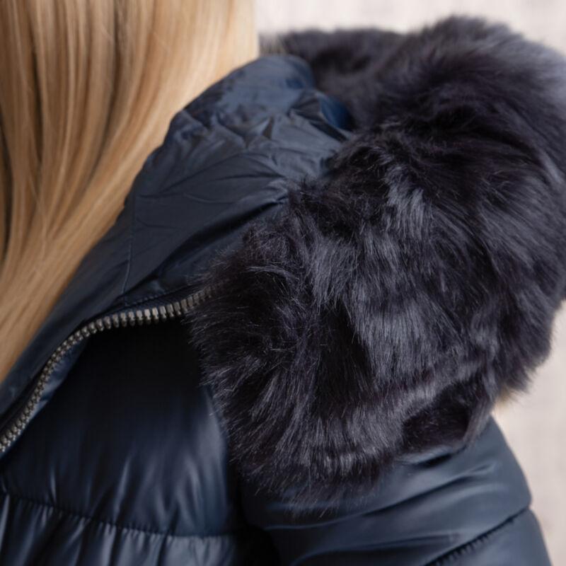 Aszimmetrikus, szőrmés, hosszított kabát