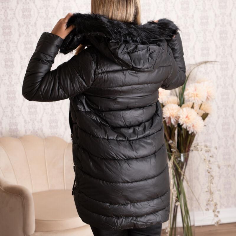 Steppelt, szőrmés kapucnis kabát