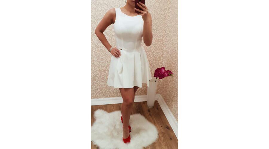 357173c46e Fehér, deréktól bővülő ruha - Ruha - Luna Gardrobe Női ruha ...