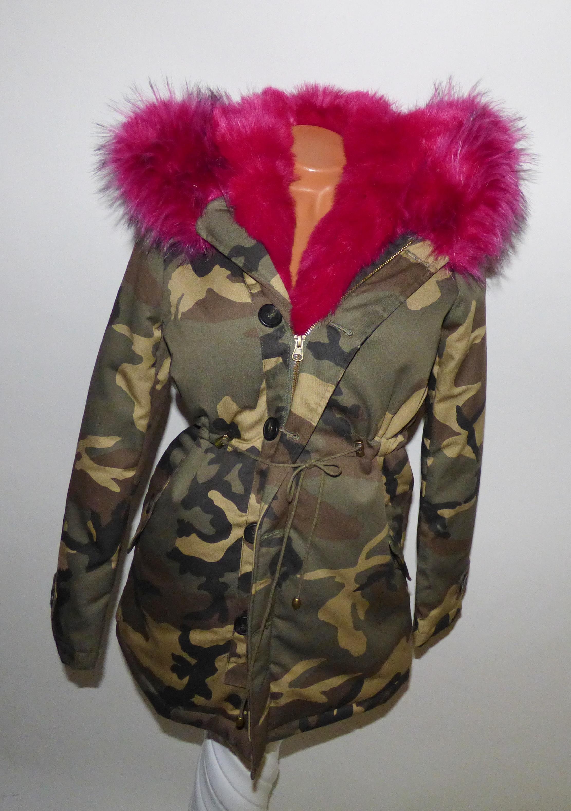 Terepmintás kabát rózsaszín szőrmével - Dzseki   Kabát - Luna Gardrobe Női  ruha WebÁruház cc8189e43c