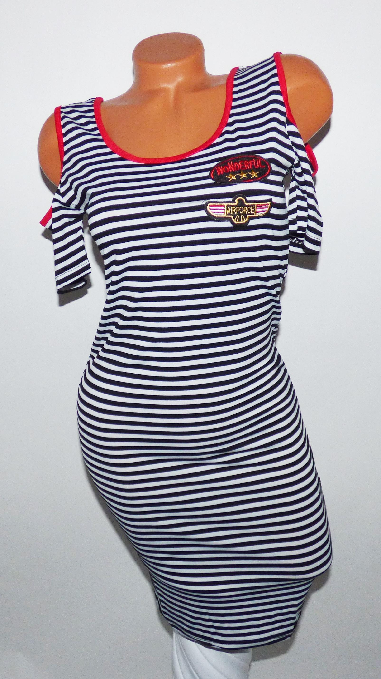 935bf39123 Csíkos, vállvillantós ruha - Ruha - Luna Gardrobe Női ruha WebÁruház,  Akciós - olcsó női ruha, Női ruha webshop, Online trendi - divatos ruha