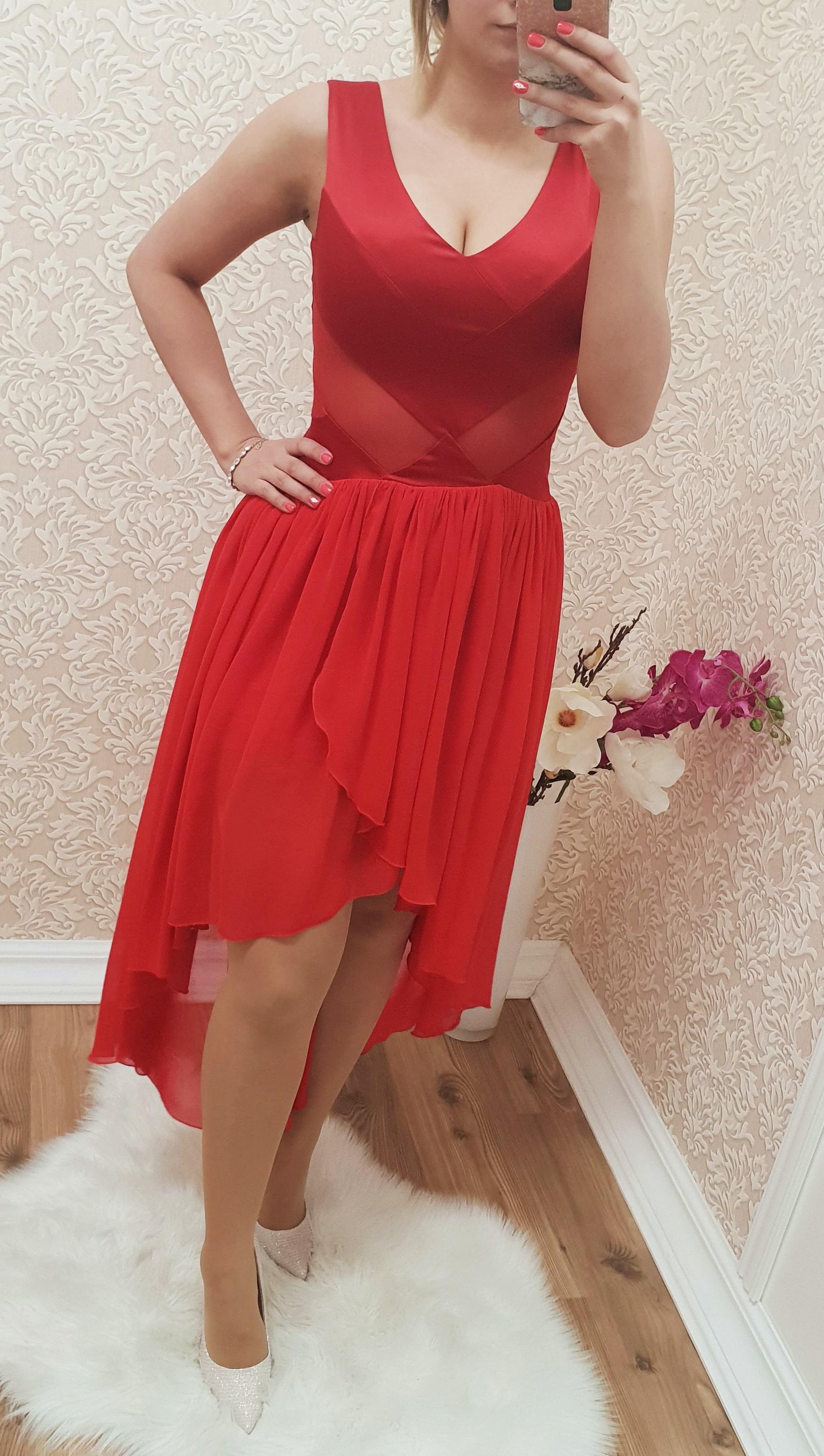 c8a1f95413 Aszimmetrikus piros tüllös ruha - Ruha - Luna Gardrobe Női ruha WebÁruház,  Akciós - olcsó női ruha, Női ruha webshop, Online trendi - divatos ruha